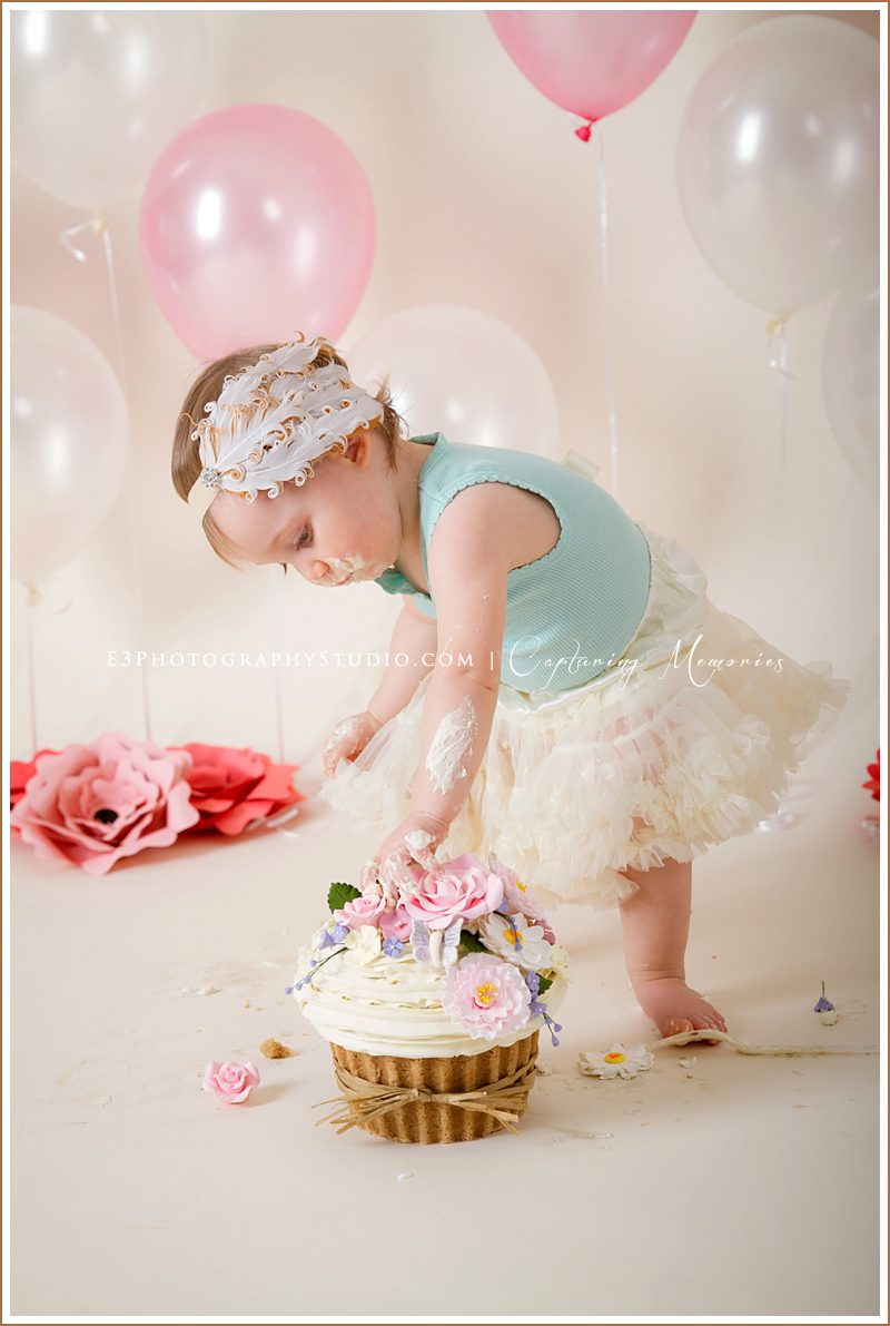 Miss Savannah Turns One | A Birthday Cake Smash Session