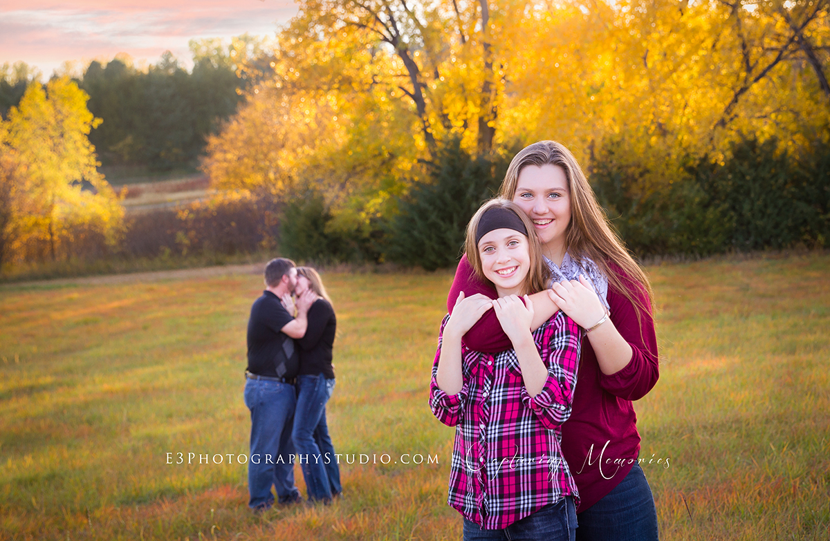 The Ernst Family | An Outdoor Family Sunset Session